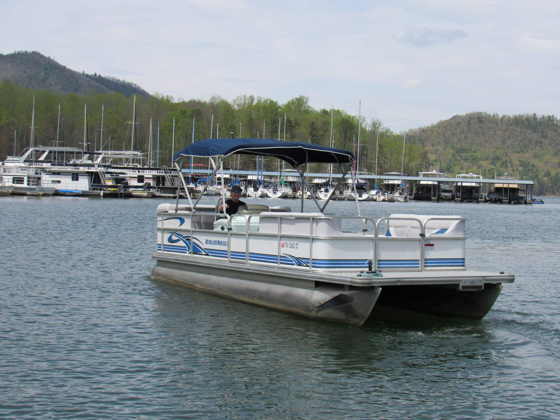 Season Ends Sunday For Rental Boating >> Watauga Lake Boat Rentals Book Now